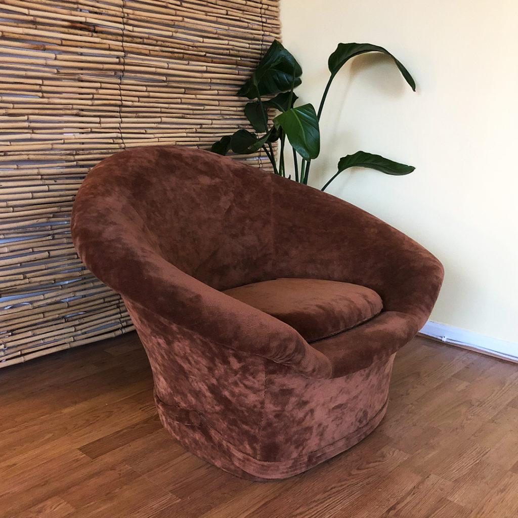 brun fåtölj plysch