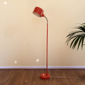Orange golvlampa