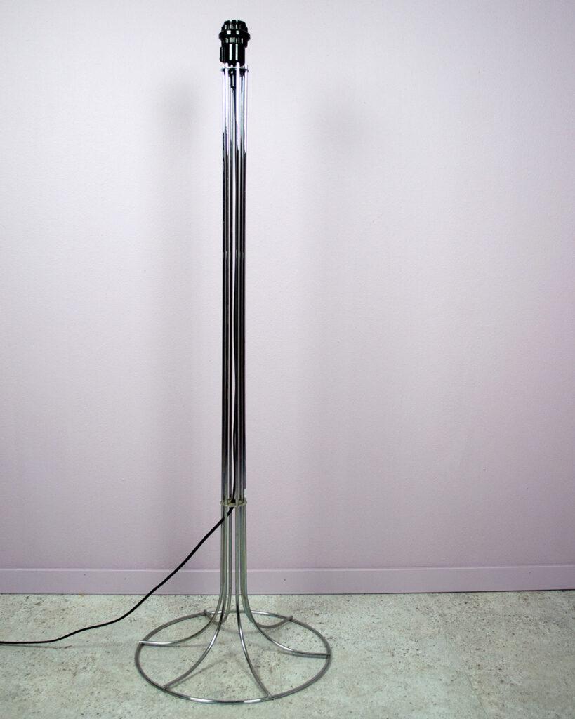 Golvlampa metall